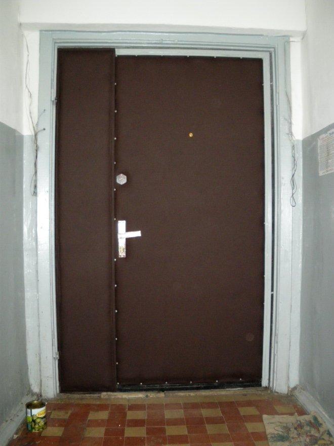 это функциональное металическая дверь в холле термобелье ACTIVE